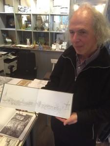 De schilder met zijn schetsboekje. Sjaak Kaashoek op 9 april 2016