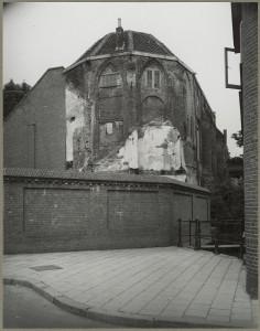 Achterzijde van de kapel - looihal