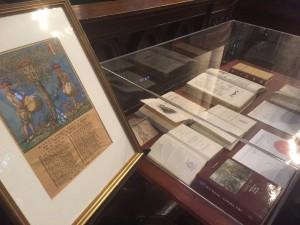 Mini-expositie ter gelegenheid van het mini-symposium. Met boeken en prenten van en over De Lange van Wijngaerden uit het bezit van Knoops en ondergetekende